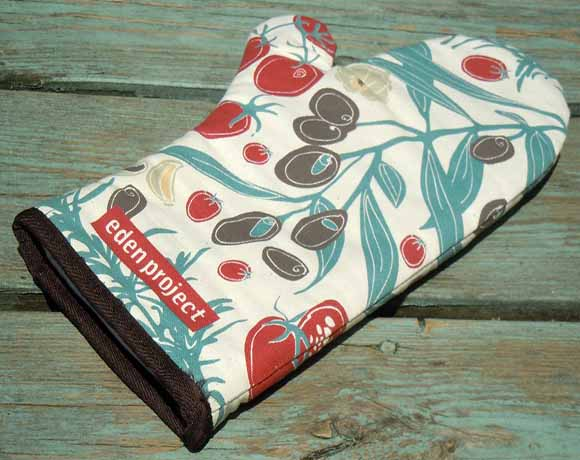Printed oven gloves